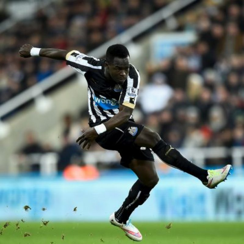 "El futbolista del Newcastle United acompañaría al ""Fideo"" en la media cancha Foto: Getty Images"