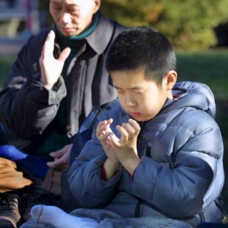 Además de ser una actividad que ayuda a alcanzar relajación y facilitar la conexión con nuestro cuerpo, la meditación tiene múltiples utilidades positivas a nivel fisiológico y psicológico. Foto:Getty Images