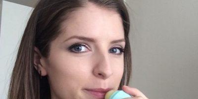 VIDEO: Estrella de Hollywood da el mejor tip para tomar selfies sin ropa