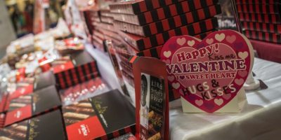En Japón, las mujeres le dan chocolates a los hombres Foto:Getty Images
