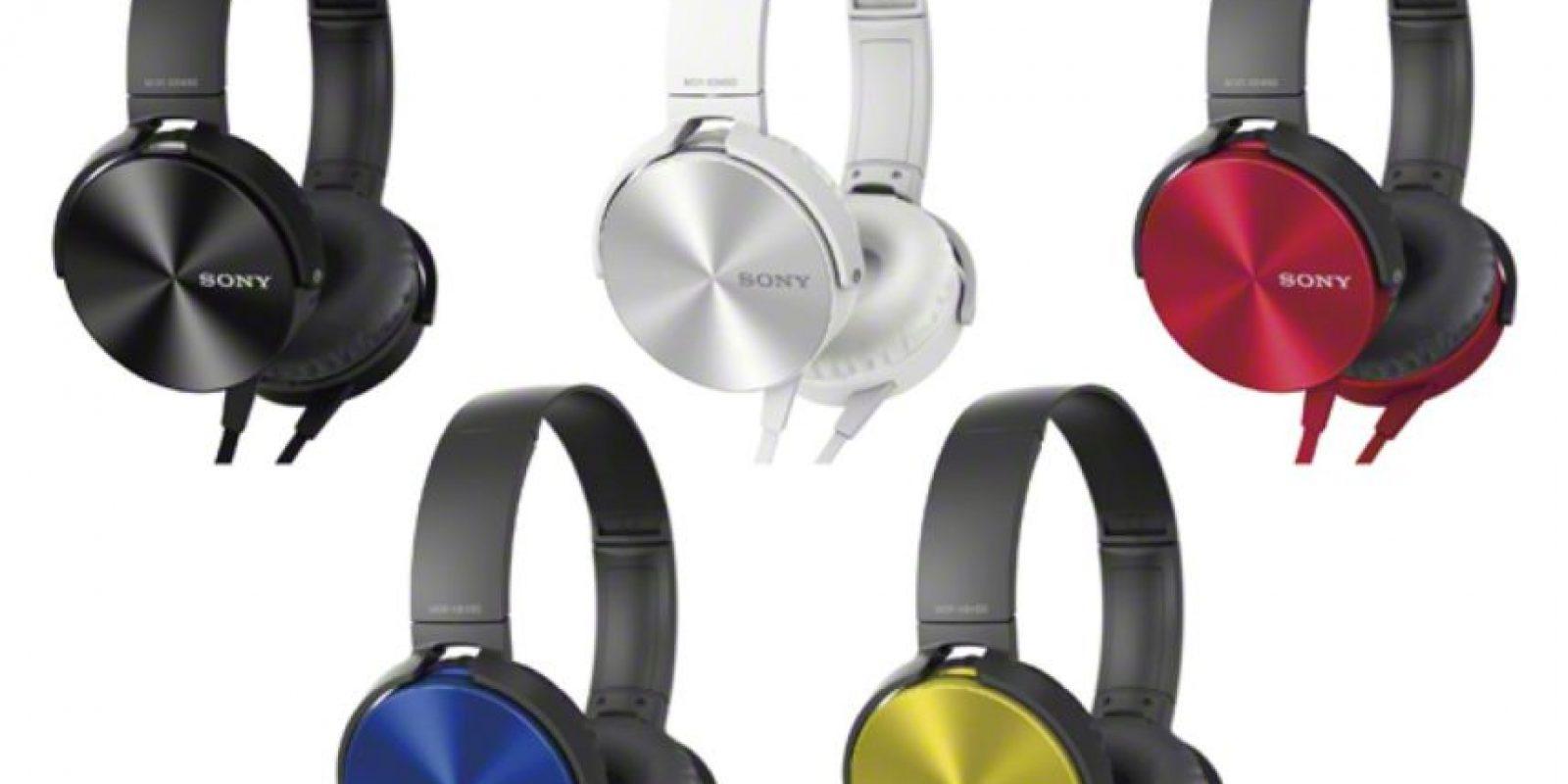 Con estos audífonos podrán escuchar sus canciones preferidas, cuentan con tencnología de control de respuesta al ritmo, proporciona graves profundos, sonido de gran calidad y permite una reproducción más precisa. Foto:Sony