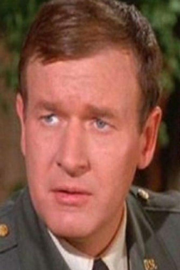Mayor Roger Healey (Bill Daily): Después de su participación en ´Mi bella genio´ siguió conectado al mundo del espectáculo, en especial en comedias. En la actualidad tiene 86 años y está retirado Foto:NBC