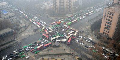 Los peatones que cruzan regularmente por estas rutas deberían considerar si hay otros caminos Foto:Getty Images