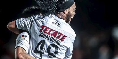 Pros y contras de tener a Ronaldinho en tu equipo favorito