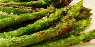 Además de su apariencia fálica, el espárrago puede ser un gran potenciador de la libido. Son ricos vitamina E, esencial para impulso sexual saludable. Foto:Tumblr.com/Tagged-espárrago