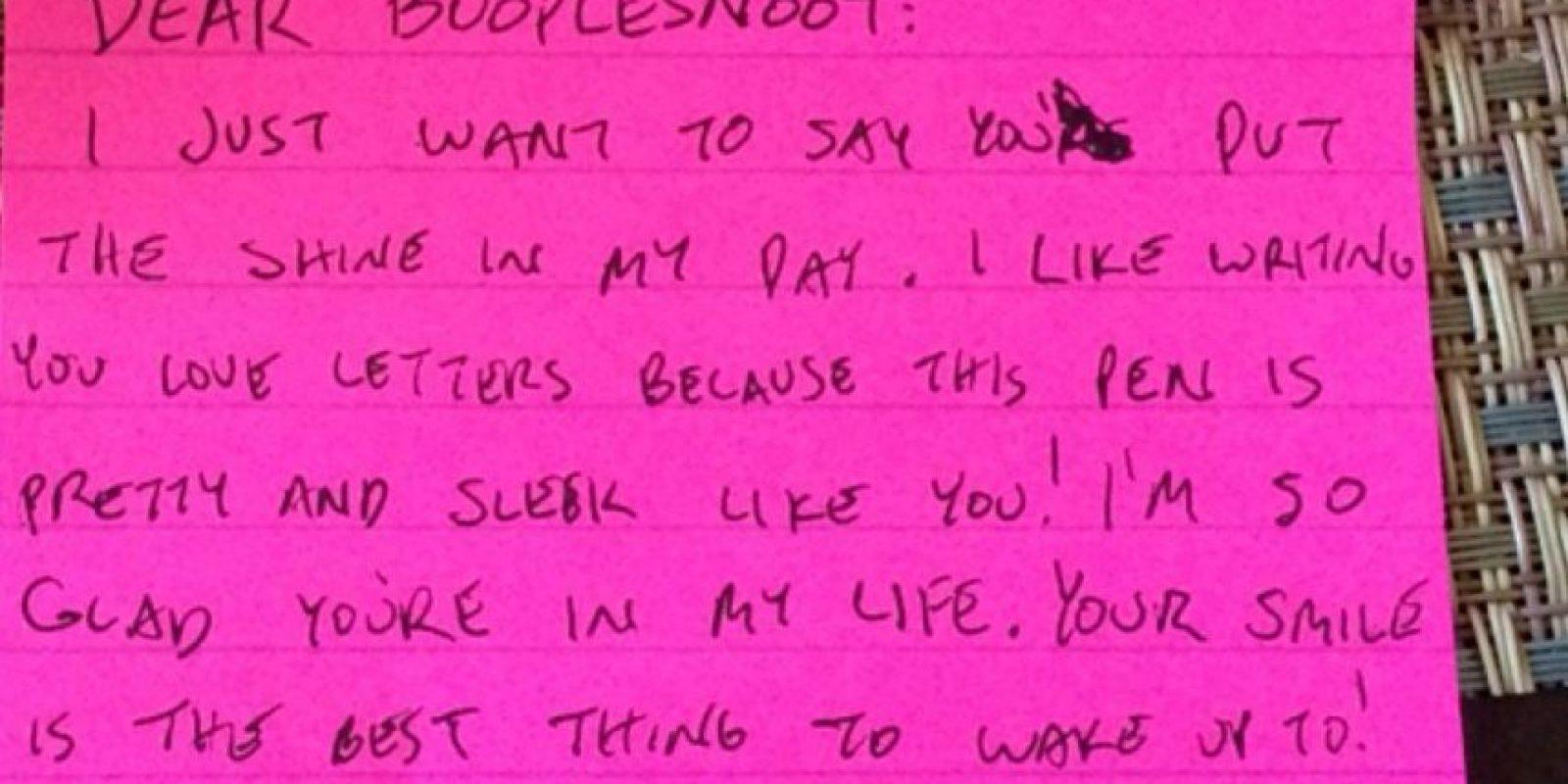 Por eso, el novio de una usuaria de Reddit decidió escribirle una hermosa carta de amor, en apariencia. Foto:Reddit