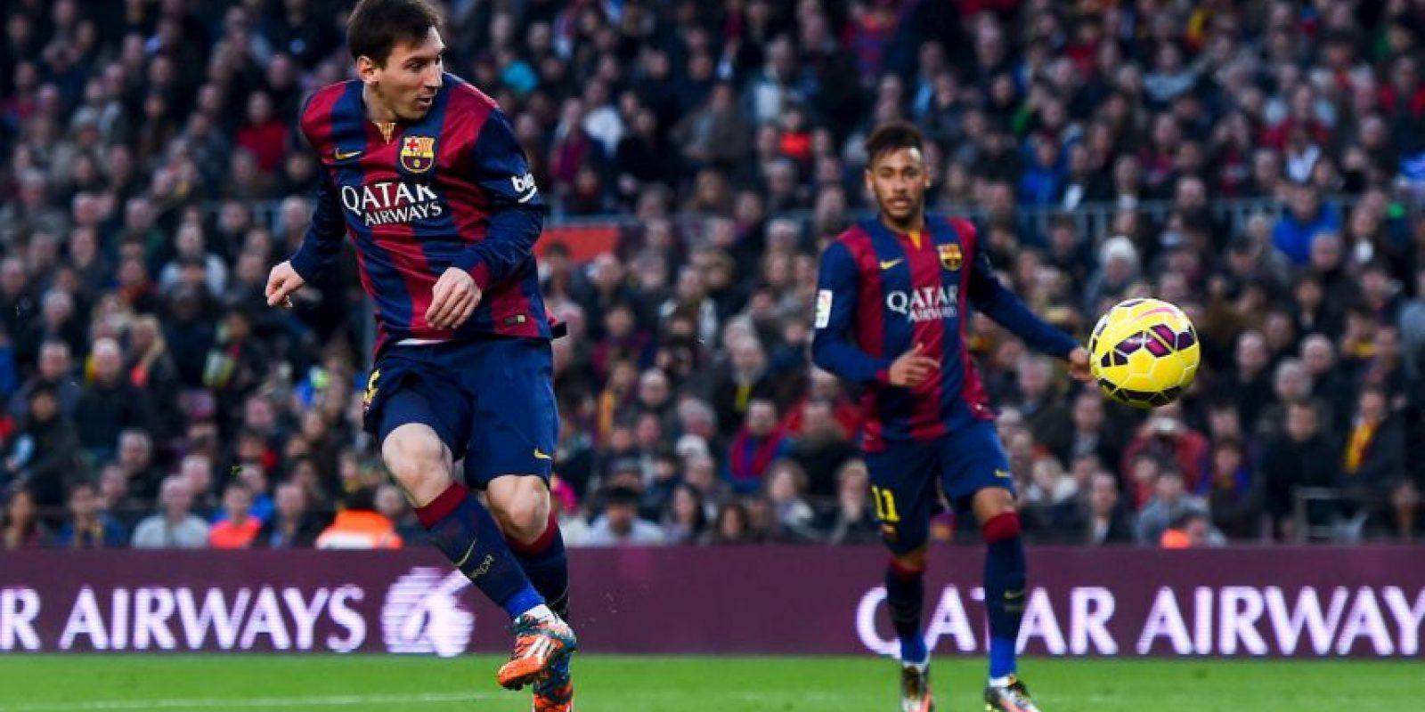Jugador más joven que consigue tres Balones de Oro: el 9 de enero de 2012 ganó el tercero con 24 años, 6 meses y 17 días Foto:Getty Images