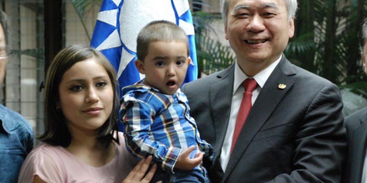 Pionero del trasplante de hígado se reencuentra con Santiaguito