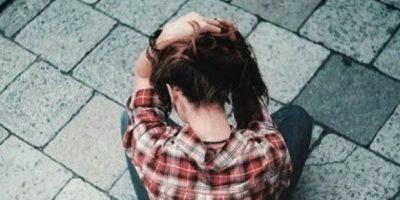 5. Cuando notas que empieza a hablar más con él que contigo. Foto:Tumblr.com/Tagged-amigas-enojadas