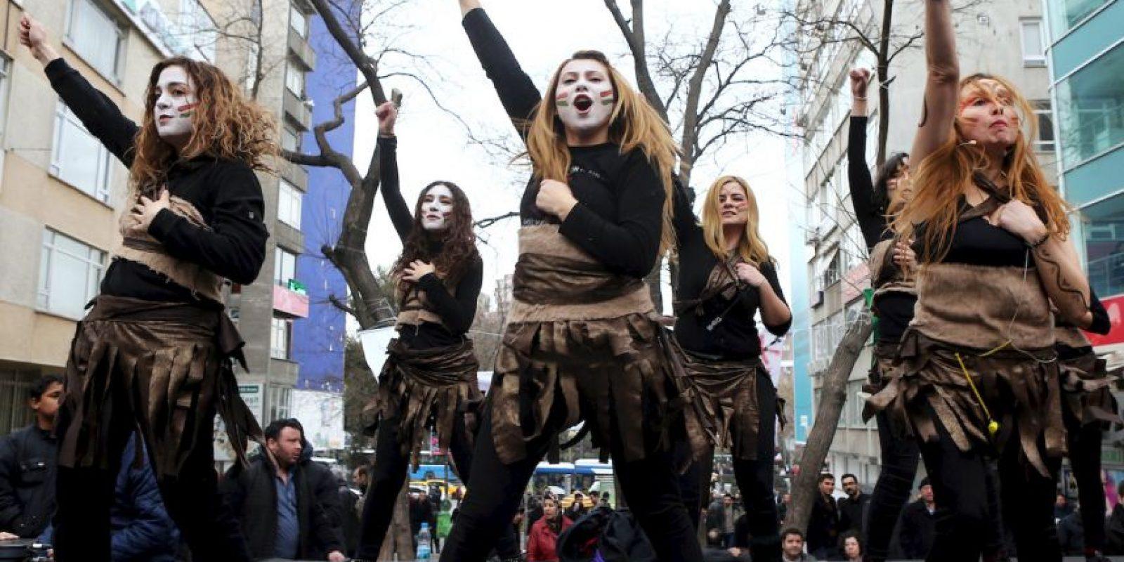 7. Mientras, en la Unión Europea entre un 40 y un 50 por ciento ha sufrido insinuaciones sexuales en el trabajo. Foto:AFP