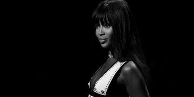 VIDEO. Naomi Campbell desfila para campaña contra el ébola