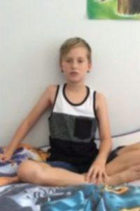 """En Facebook, Milla explica que se siente en un cuerpo equivocado. """"La estoy pasando muy mal en la escuela porque los chicos me fastidian todo el tiempo. Foto:Vía Facebook/renee.fabish.9"""