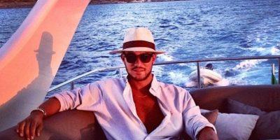 Afirma que así como los bloggers muestran su ropa, él su riqueza. Foto:Andrew Warren/Instagram