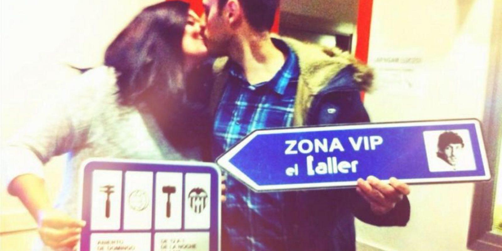 Jesús y Esther, dos seguidores del Valencia, se comprometieron el mismo día en que su equipo venció al Getafe. Foto:Publinews
