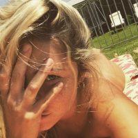 """""""Soy Eva"""", es lo que decía en las redes sociales hasta que eliminó la imagen. Foto:instagram.com/danaranguiz1"""