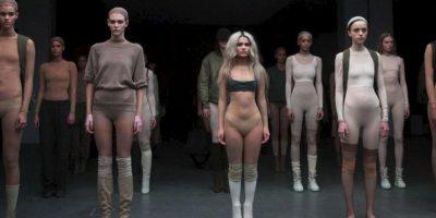 Pero esto también se extiende hacia algunos estilismos de colecciones, como la de Kanye West para Adidas, presentada en la Semana de la Moda de Nueva York (en la foto). Por eso recopilamos los looks, entre streetstyle, conjuntos de celebridades y estilismos de pasarelas que pretenden ser una obra de arte que polemiza por sus elecciones de estilo. Foto:Getty Images