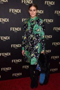 Olivia Palermo no sabe que a la única que le quedaban bien ese tipo de abrigos y lucía imponente era a la Duquesa Wallis Simpson en los años 60. Foto:Getty Images