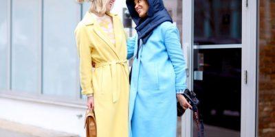 No se espanten. Los abrigos grandes de colores pastel son los más usados esta temporada (o sí, espántense) Foto:Getty Images