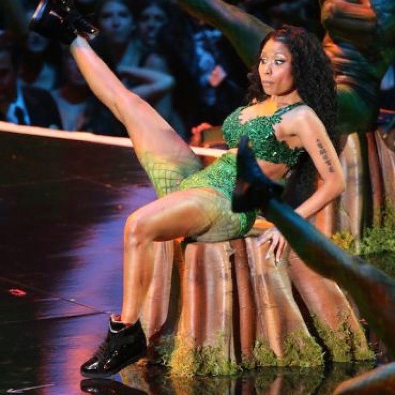 El sitio TMZ reportó que una serpiente de casi dos metros atacó a uno de los bailarines. Foto:Getty Images