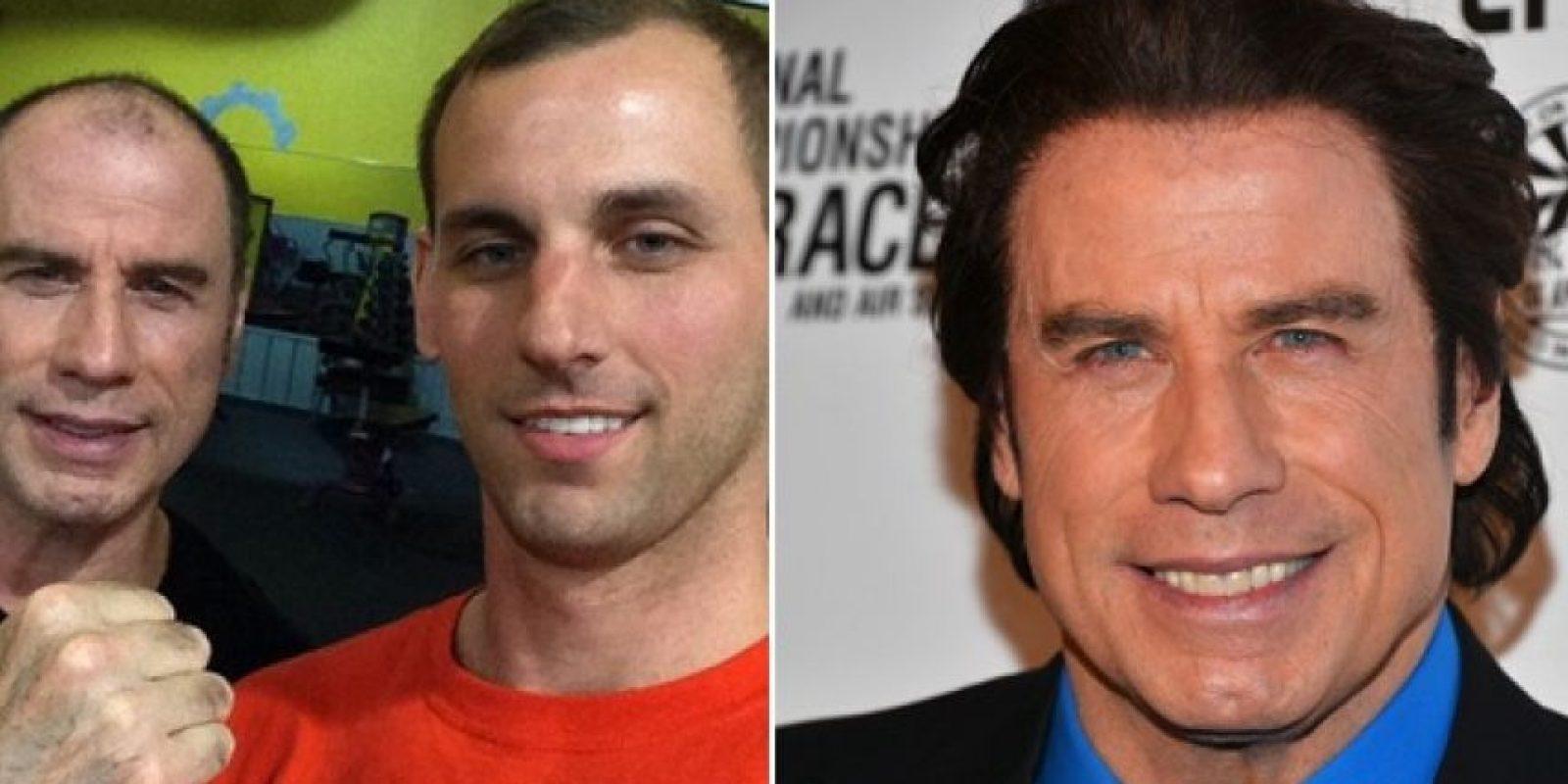 En meses pasados, un usuario de Reddit compartió una fotografía junto a Travolta, cuando ambos se encontraron solos en un gimnasio, a las tres de la madrugada. Foto:Imgur/Getty Images