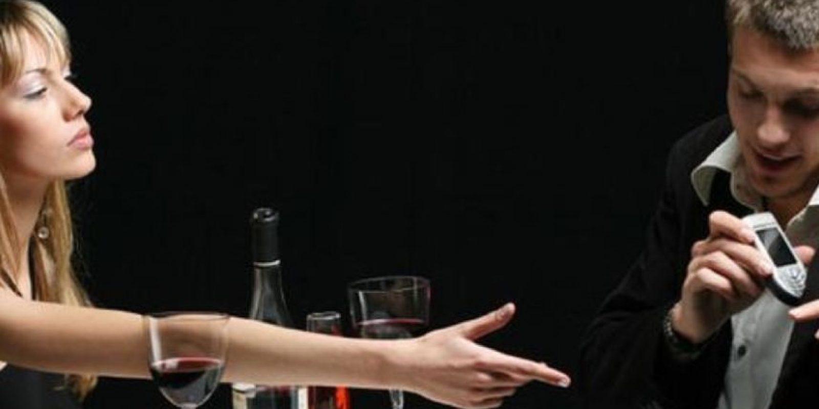 Imaginar que te llegua a engañar o pensar que puede verse con su ex son pensamientos destructivos. Debemos aprender a diferenciar la fantasía de la realidad, detalló el sitio Terra México Foto:Tumblr.com/Tagged-pareja-problemas