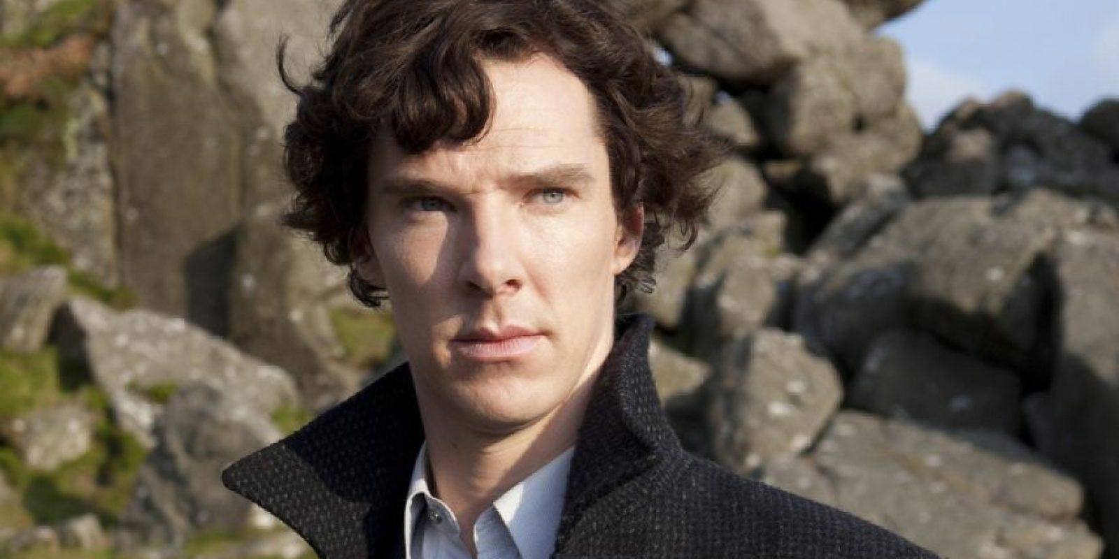 Amante de la lógica, sociópata funcional, sin habilidades sociales y un genio. Por este papel la legion de fans de Cumberbatch creció enormemente. Tumblr es su reino. Foto:BBC