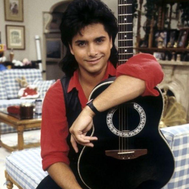 "John Stamos interpretó al ""Tio Jessie"" en ""Full House"" Foto:Warner"