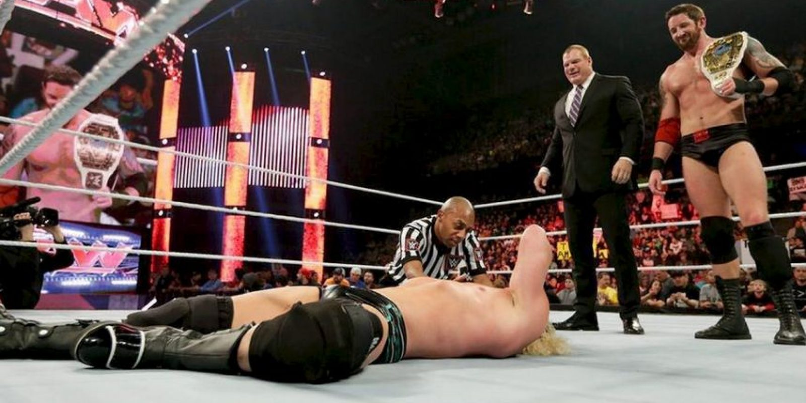 Barrett se molestó con un penal, que según él, Rooney fingió ante el Preston North End, en la FA Cup Foto:WWE