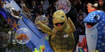 Niños, jóvenes y adultos festejan por igual. Foto:AP