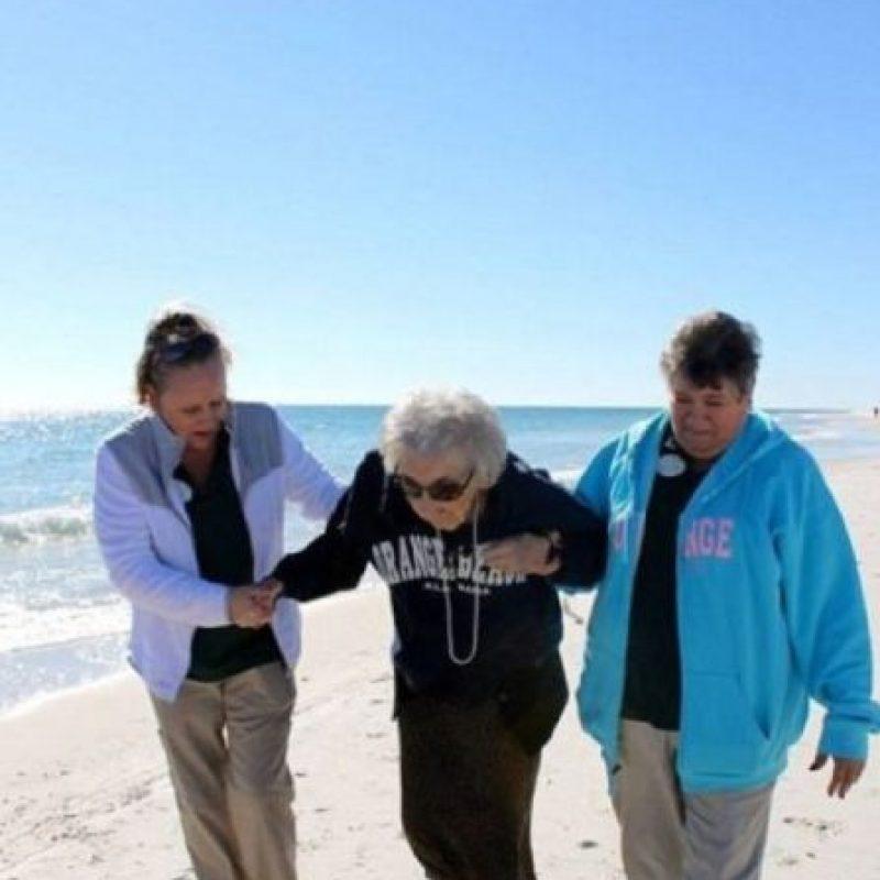 Esta mujer de 100 años nunca vio el mar. Foto:Perdido Beach Resort