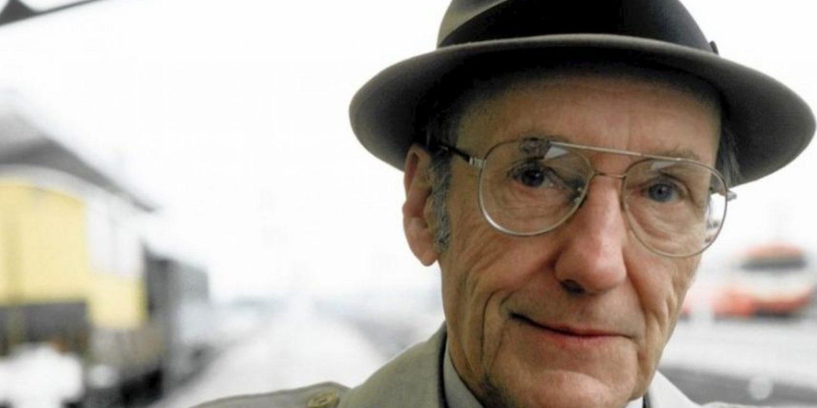 """La esposa del escritor William Burroughs, Joan Vollmer, murió a causa de una hemorragia cerebral ya que jugaba con él a """"Guillermo Tell"""". Fue con una pistola. Él fue condenado por homicidio involuntario Foto:Getty Images"""