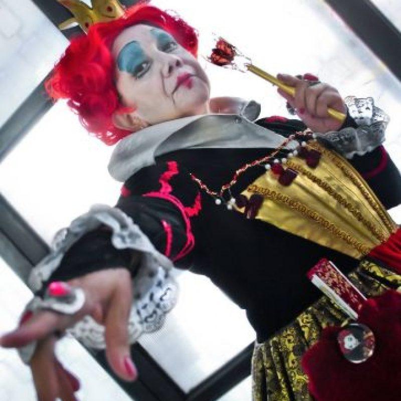 """Aquí, como la """"Reina Roja"""" de Alicia en el País de las Maravillas Foto:Rosy Durán/Facebook"""