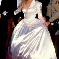 Kim Basinger se disfrazó de Cenicienta. Pero antes de que apareciese el Hada Madrina. Foto:Getty Images