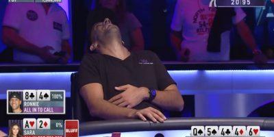 Cayó en el engaño de la chica de 24 años Foto:Youtube: PokerStars