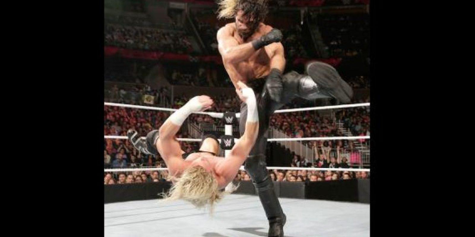 Seth Rollins no deja de meterse en problemas Foto:WWE