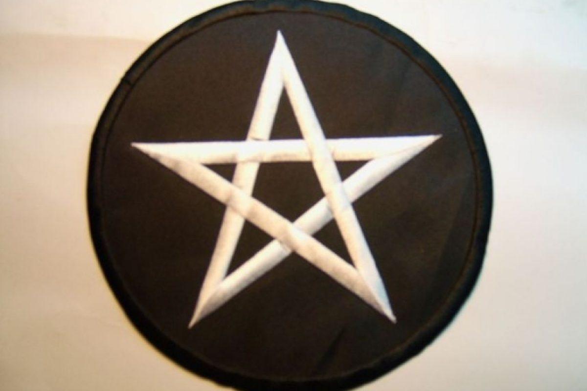 Una estrella de cinco puntas es lo más recomendable para ti ya que estarás muy susceptible, y esta te ayudará mucho. Foto:Wikimedia