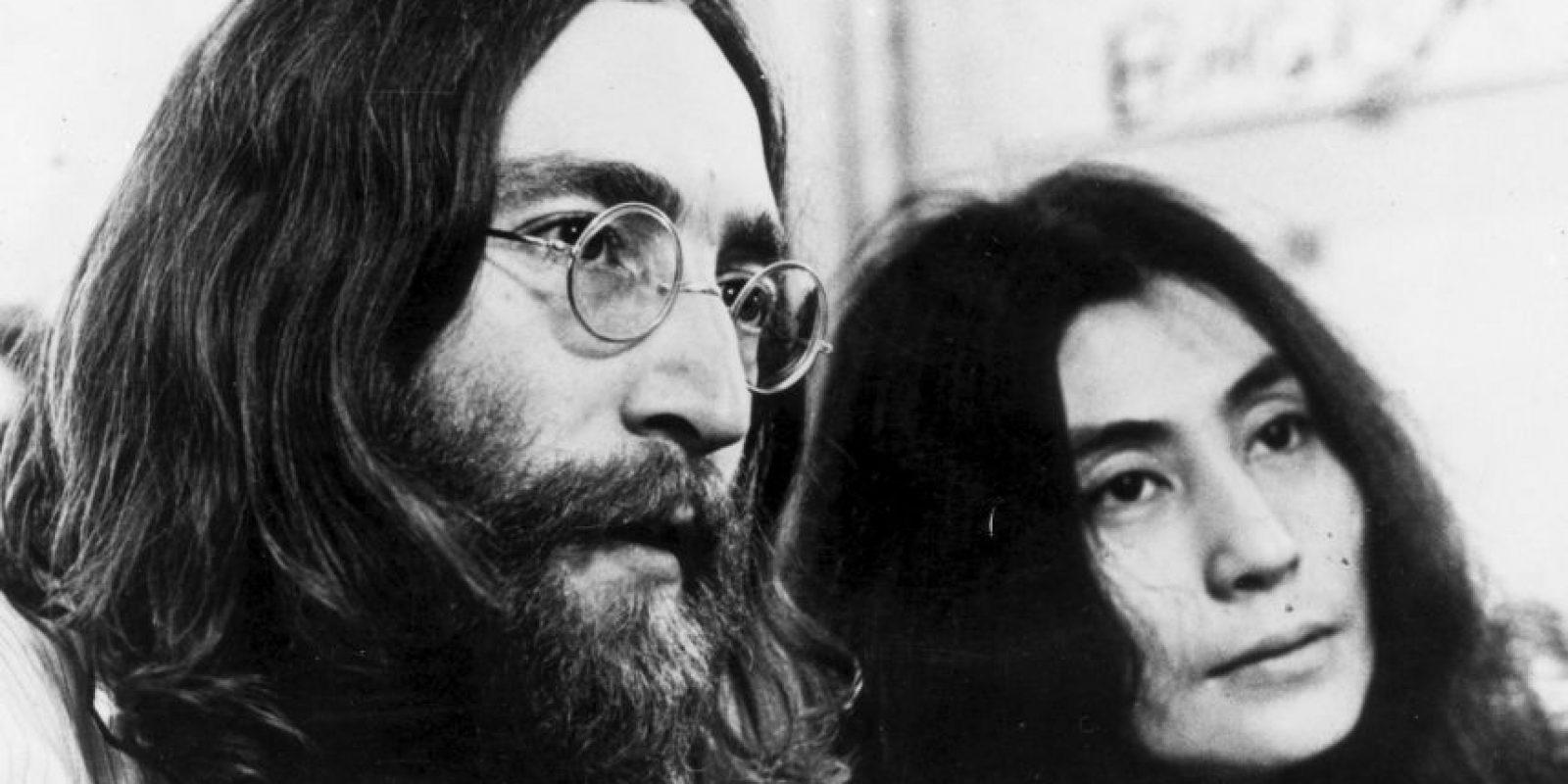 John Lennon afirmó haber visto un OVNI en 1974, cuando estaba con su amante May Pang. Según el mago Uri Geller, el cantante también vio aliens en su apartamento y estos le mostraron toda su vida. Foto:Getty Images
