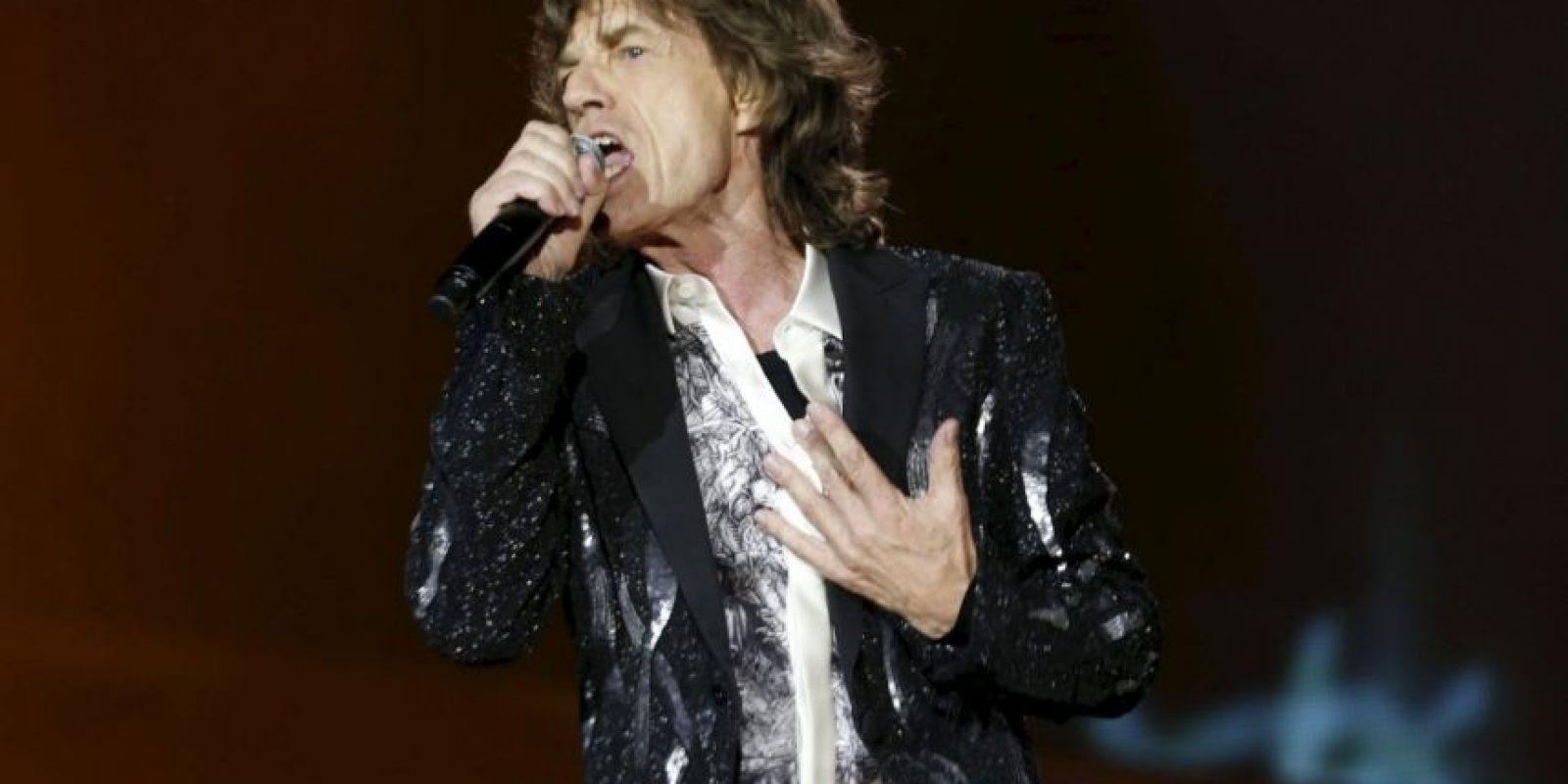 """Mick Jagger afirmó haber tenido dos encuentros cercanos con extraterrestres en su vida. El primero, cuando acampaba con su entonces novia Marianne Faithfull, en Glastounbury. Vio una """"nave nodriza."""" El segundo fue mientras estaba dando un concierto. Foto:Getty Images"""
