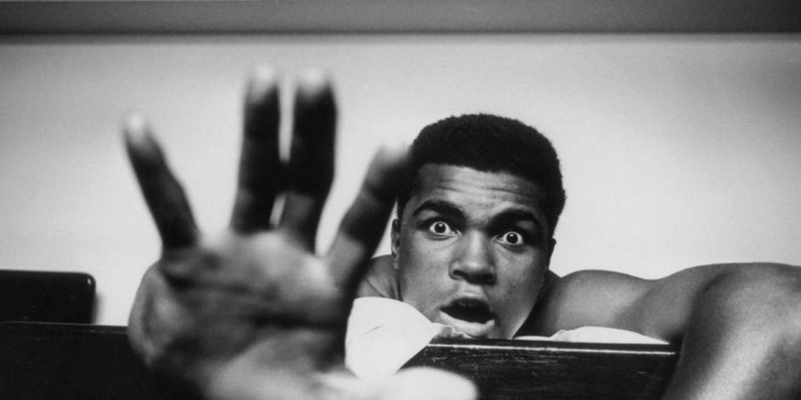 El boxeador Muhammad Alí afirmó ver un OVNI mientras trotaba con su mánager en el Central Park. Foto:Getty Images