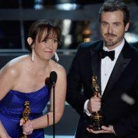Patrick Osborne (D) y Kristina Reed aceptan el Oscar por el Mejor cortometraje animado Foto:Getty Images