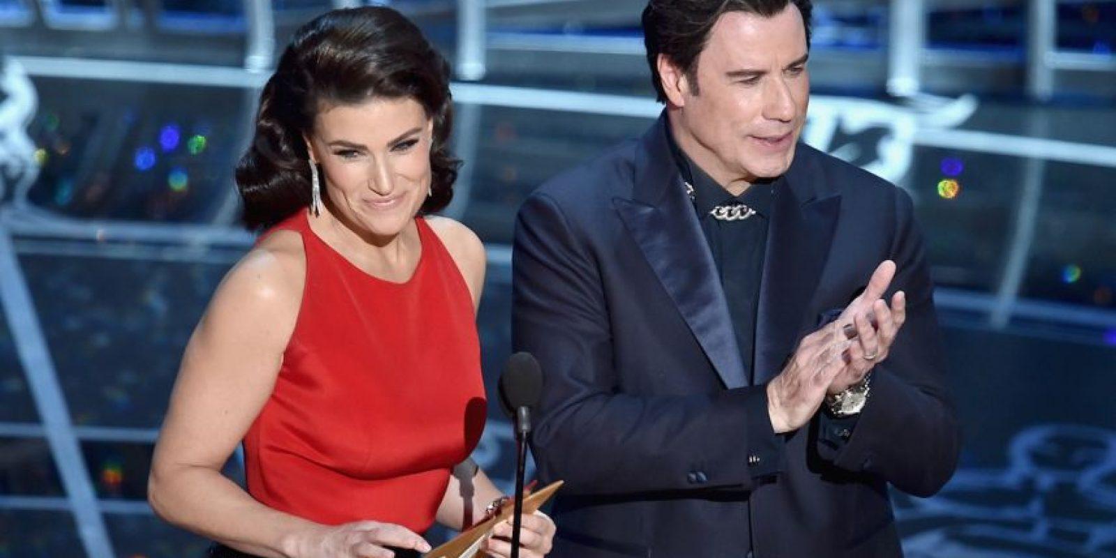 """""""Lo merezco"""", mencionó el actor de 61 años, quien se limitó a bromear sobre su error y dejar que la cantante presentara a los nominados y al ganador por la categoría """"Mejor canción original"""" Foto:Getty Images"""