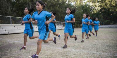 Alumnas de Villa de las Niñas olvidan su doloroso pasado en la cancha