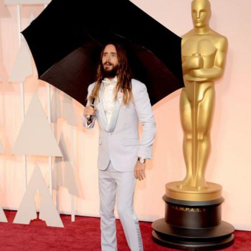 ¿En serio, Jared? Con sombrilla y todo. Foto:Getty Images