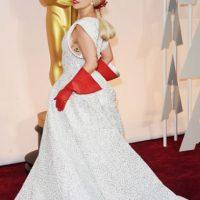 Lady Gaga se llevó los guantes para lavar la loza. Foto:Getty Images