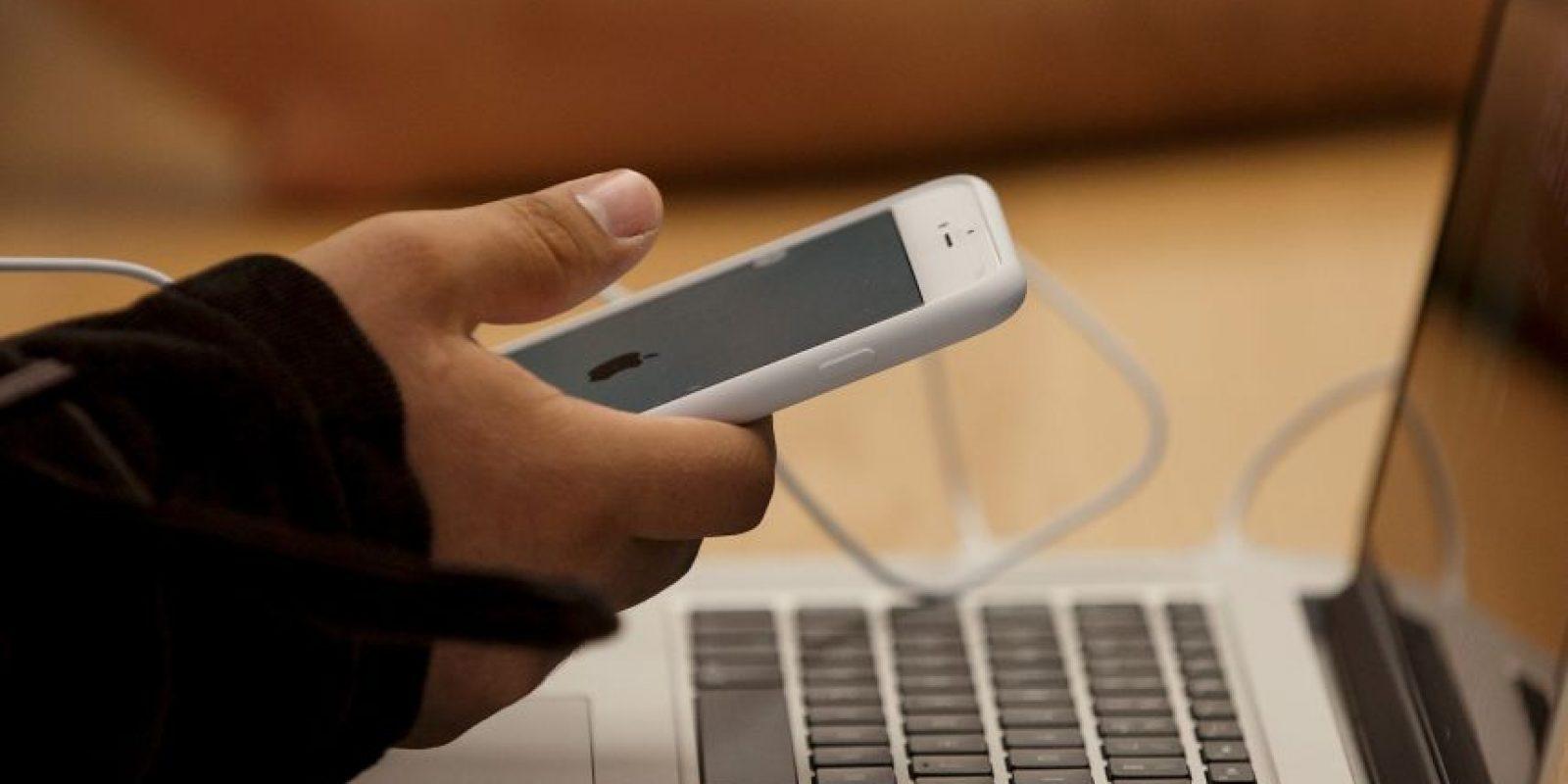 El estudio también confirmó que los mensajes de texto estánreemplazando el hablar cara a cara entre los adolescentes. Foto:Getty Images