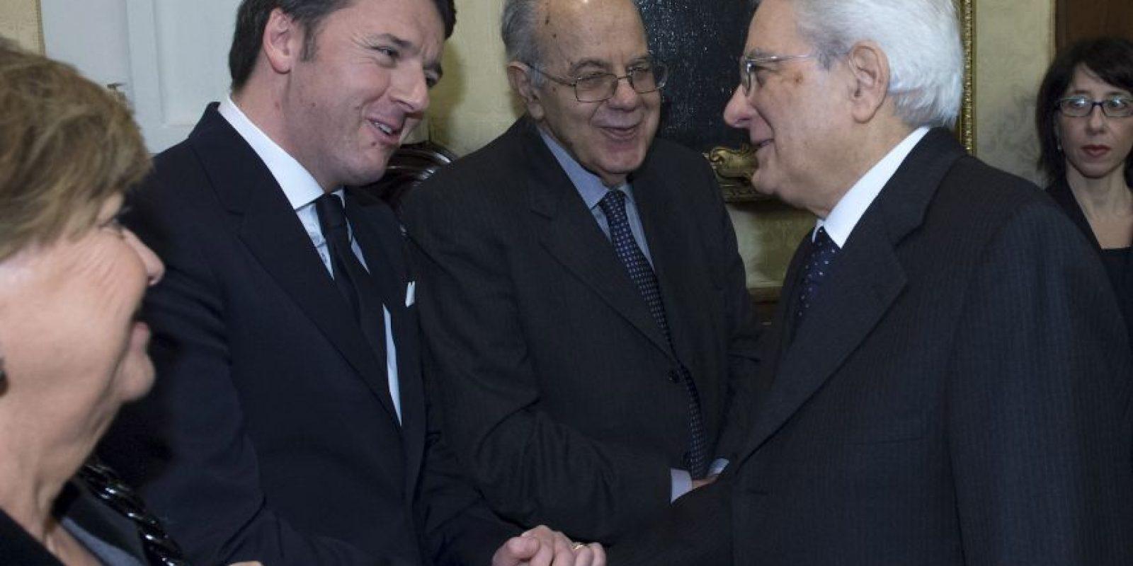 Aquí con el Primer ministro Matteo Renzi. Foto:Getty Images