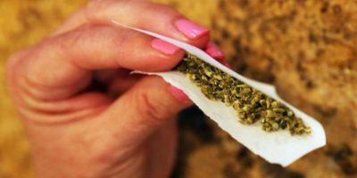 Estudio asegura que fumar marihuana es 114 veces más seguro que tomar alcohol