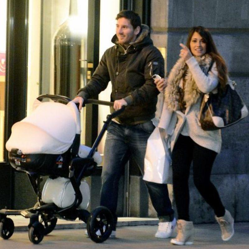 El futbolista argentino y su esposa Antonella ya esperan a su segundo hijo. Foto:Publinews