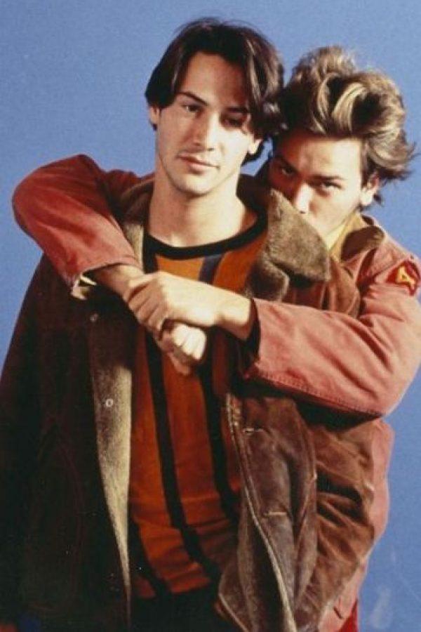"""Mike Waters (River Phoenix) y Scott Favor (Keanu Reeves) son dos jóvenes prostitutos que se ganan la vida vendiendo sus cuerpos en """"My Own Private Idaho"""", un clásico del cine gay que se estrenó en 1991 Foto:Fine Line Features"""