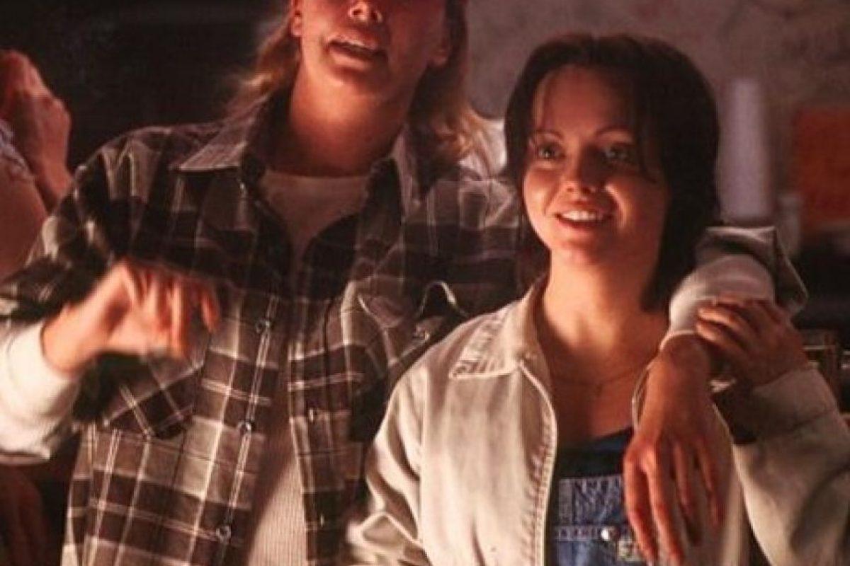 """La película """"Monster"""" de 2003 cuenta la historia real de Aileen Wuornos (Charlize Theron), una exprostituta ejecutada en 2002 por haber matado a siete hombres, según ella por amor a Selby Wall (Christina Ricci) Foto:DEJ Productions"""